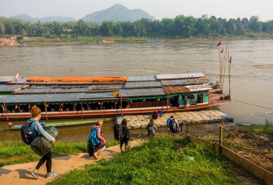 Mit dem Slow Boat auf dem Mekong von Laos nach Thailand