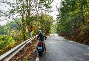Pai im Norden Thailands: Mit dem Motorroller durch mehr als 700 Kurven!
